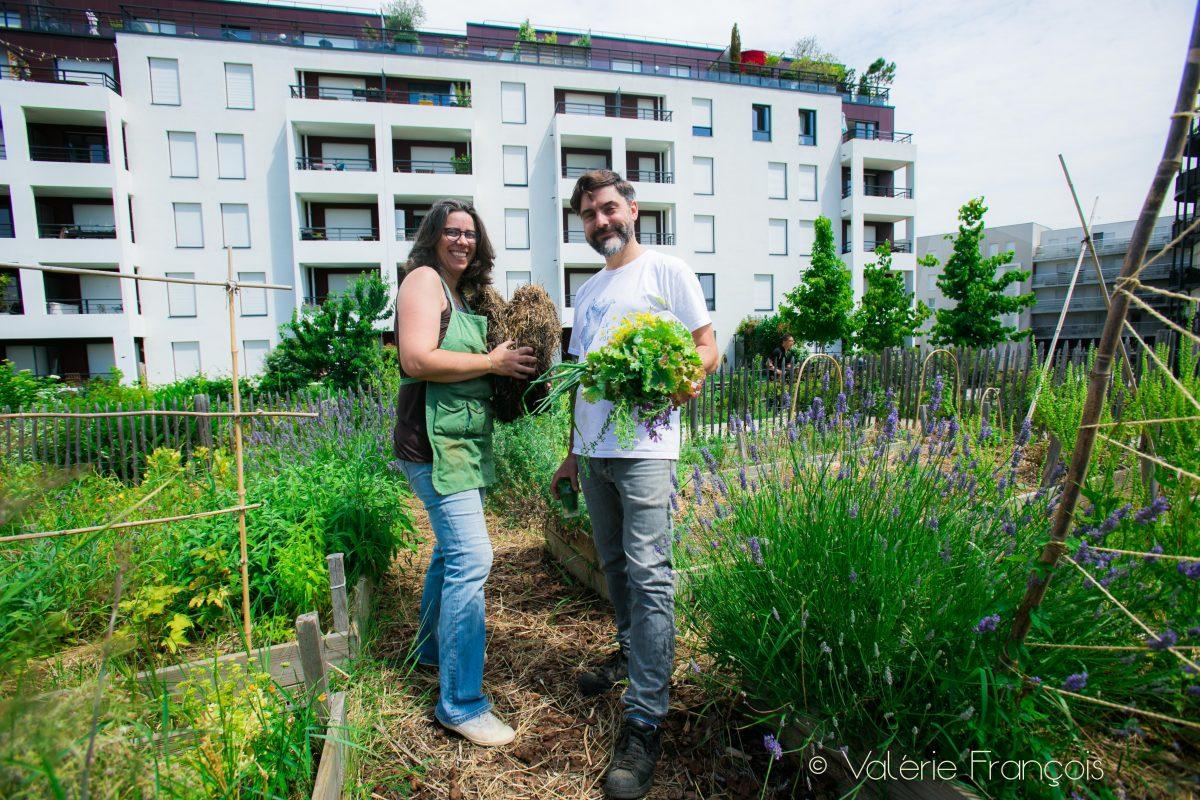 Fabrice Mury et sa jardinière Florence Battut.