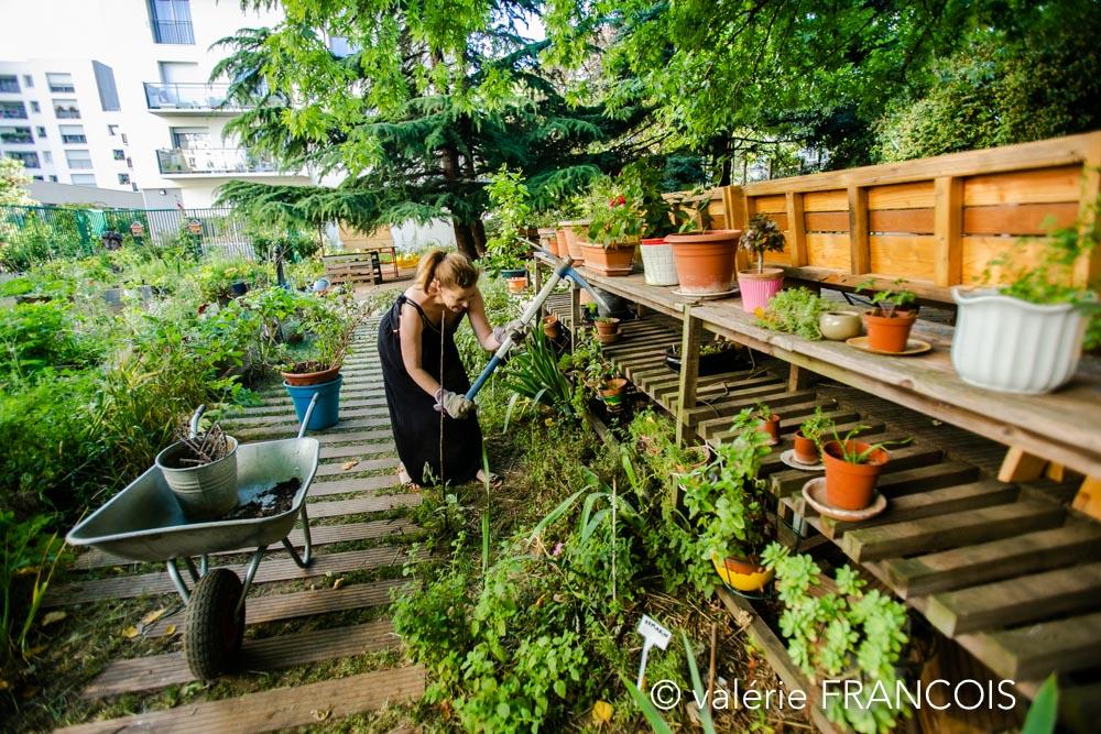 Les deux étudiants qui ont imaginé le plan du jardin, on monté leur entreprise et nous ont accompagné plusieurs années sur le développement du jardin.