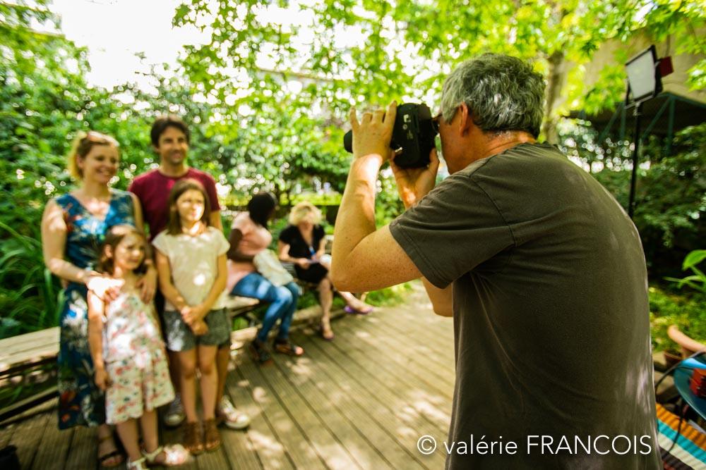 Le jour de la fête de la Baleine, nous proposons un stand photos. Pour beaucoup de gens, dont je fais parti, c'est la photo de famille de l'année ! Nous avons archivé 15 ans de photos ! On a fait une rétrospective, il y a deux ans.