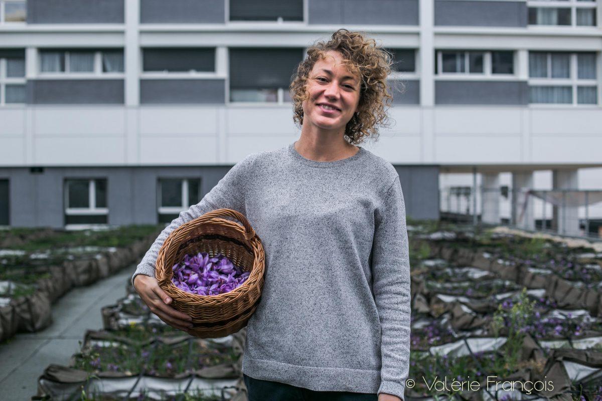 Louise du Bessey, l'une des 4 co-fondratrices de la marque Bien élevées qui produit le safran parisien.