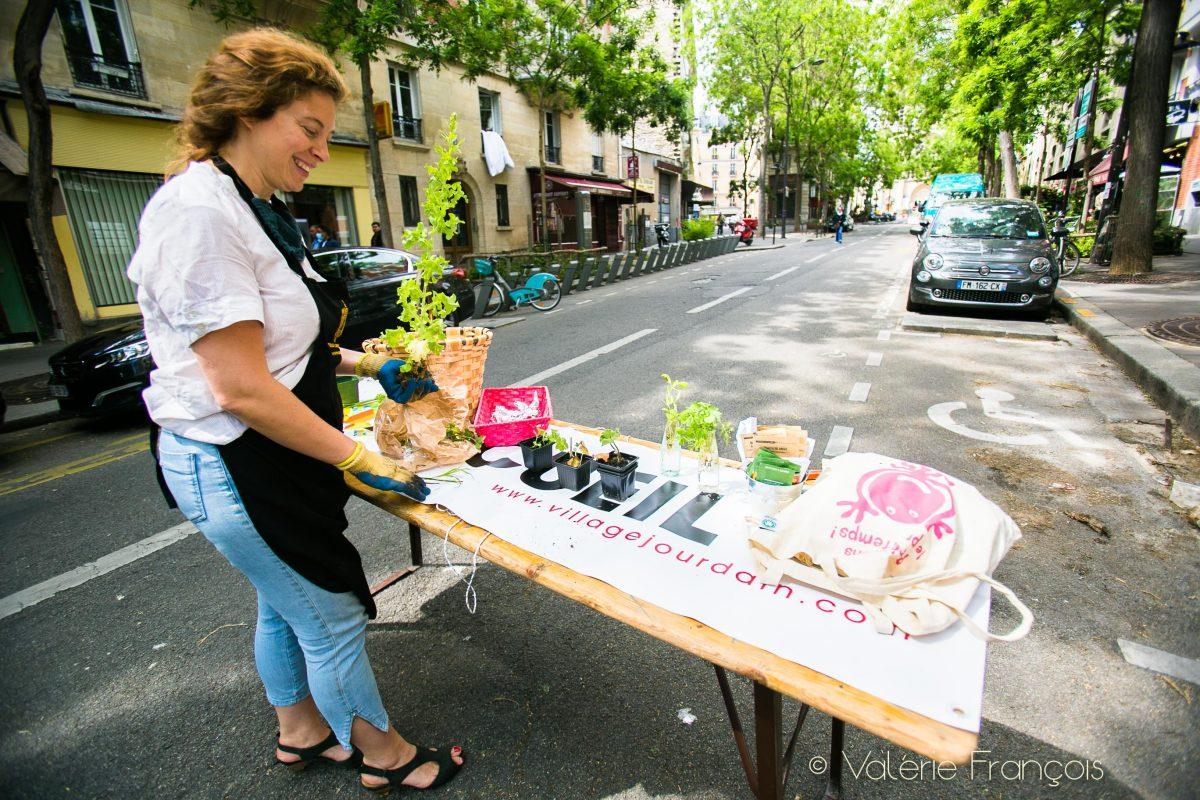Emilie a obtenu de la mairie la fermeture aux voitures de quelques rues certains dimanches.